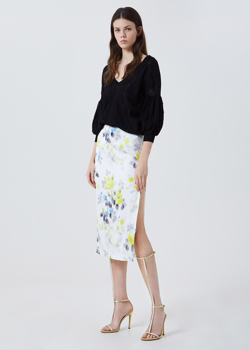 BLUMARINE FLOWER-PRINT SKIRT WITH SLIT
